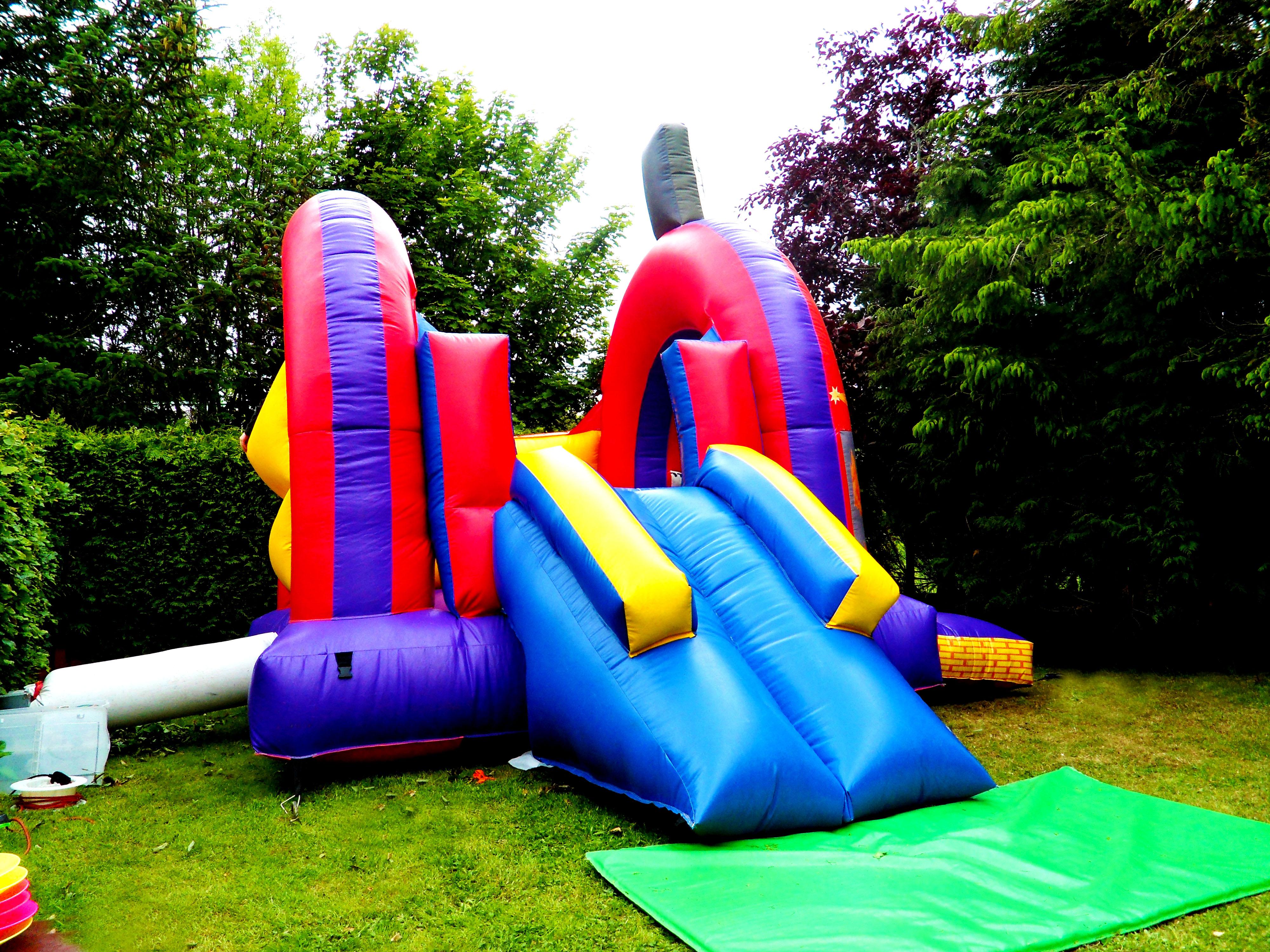bananas_bouncy_castle